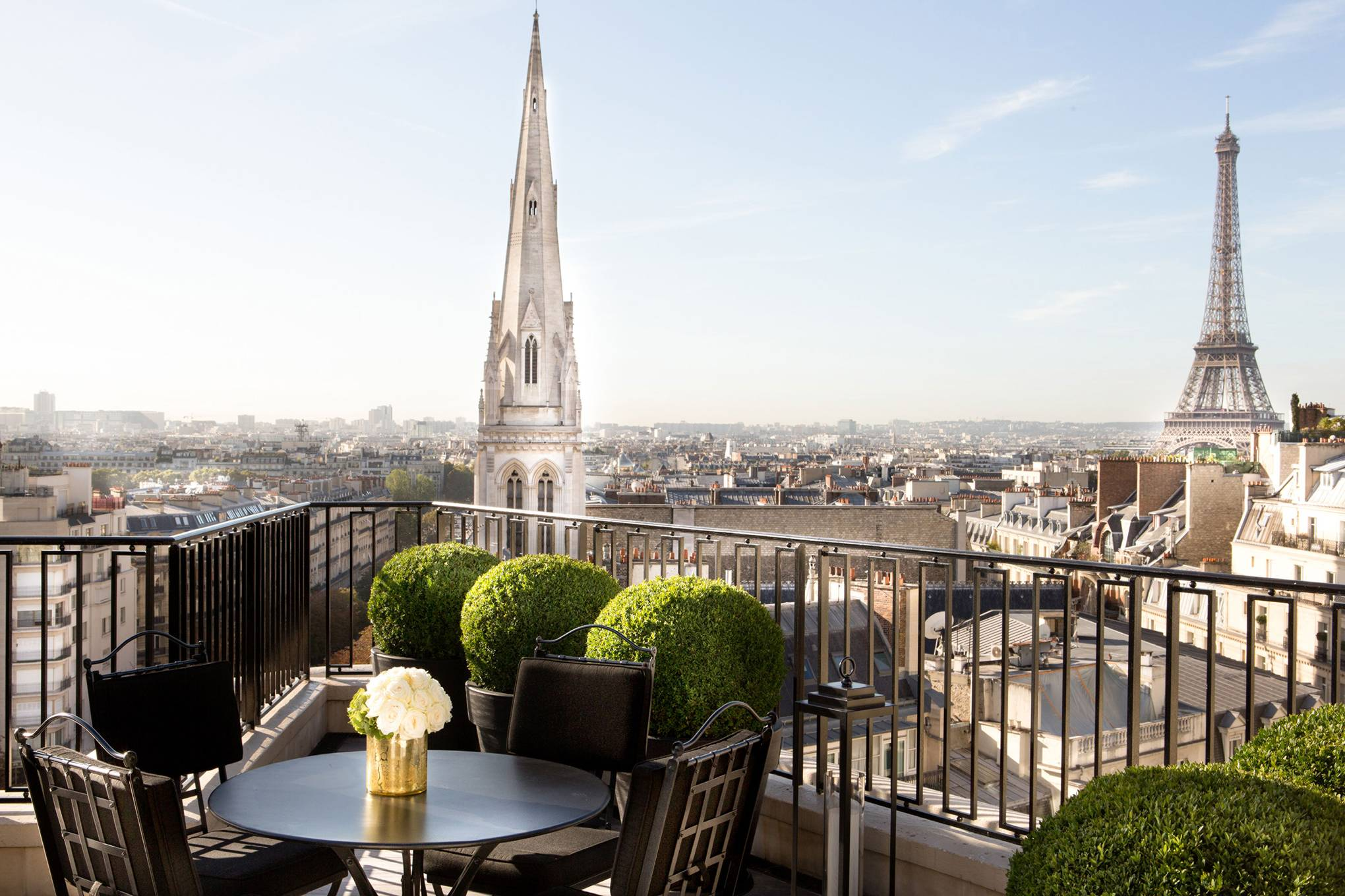 Four-Seasons-Hotel-George-V-Paris-conde-nast-traveller-15jan18-pr